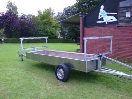 Aanpassing aanhangwagen om roeiboten te vervoeren.